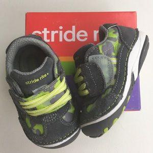 STRIDE RITE Boys Gray Camo Tennis Shoes, Sz 4 W